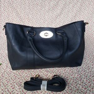 NWOT BLACK FAUX LEATHER HANDBAG